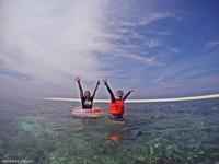 Gusung Tallu dikelilingi laut jernih yang cantik