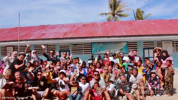 Voluntourism di Sekolah dasar Kepulauan Pulau Salissingan.