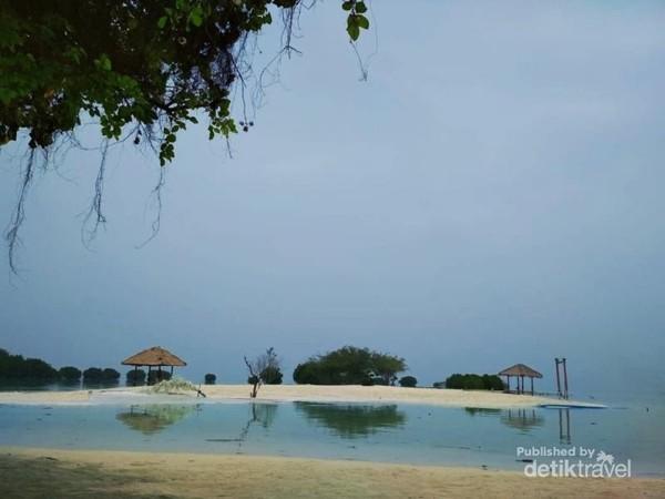 Pantai Perawan menawan, menunggu disentuh wisatawan