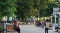 Pedestrian menuju jalan Malioboro, selain luas juga dilengkapi kursi taman
