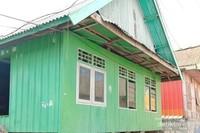 Banyak rumah yang terbuat dari dinding bekas kontainer