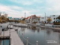 Kali besar cantiknya tak kalah dengan Sungai Cheonggyecheon di Seoul