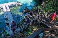 Setelah berjalan sekitar 500 meter sampailah di danau Kakaban.
