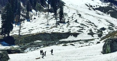 Bukan di Eropa, Pegunungan Salju Cantik Ini Ada di India