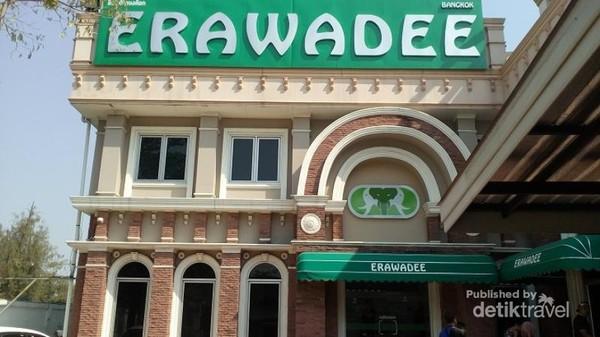 Erawadee ini adalah gerai penjualan aneka herbal traditional, seperti balsam, minyak angin dan sebagainya.
