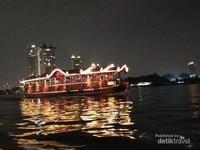 Malam di Sungai Chao Phraya