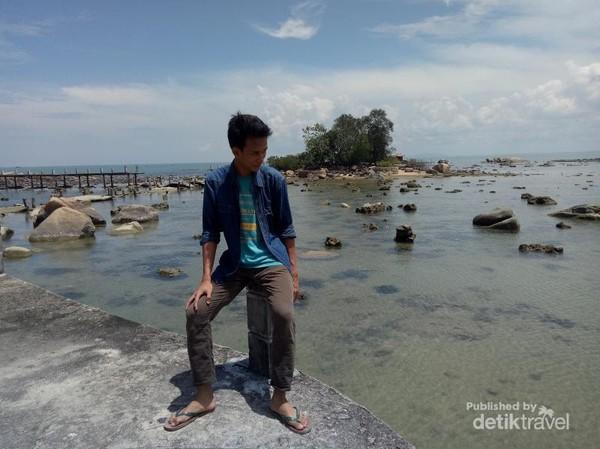 Inilah penampakan pulau Simping yang bisa dijadikan latar belakang berfoto