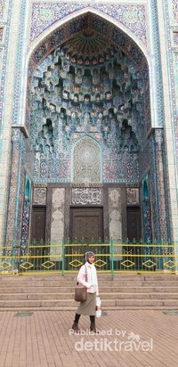 Salah satu sudut yang paling menarik di sisi luar Masjid Soekarno