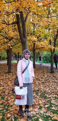 Taman di dekat Gorkovskaya Station