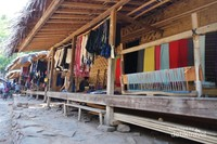 Di Baduy Luar hampir setiap rumah berjualan souvenir khas Baduy
