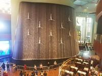 Salah satu instalasi seni di dalam Dubai Mall