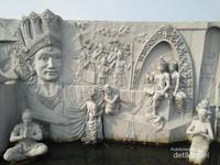 Relief kejayaan Kerajaan Nusantara.