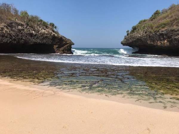 Melihat Keindahan pantai Sedahan dari dekat