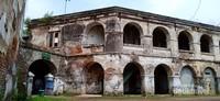 Indahnya arsitektur peninggalan kolonial Belanda dengan ciri khas jendela besar