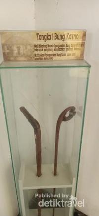 Peninggalan Bung Karno yang masih dirawat dengan baik, salah satunya adalah tongkat milik Bung Karno