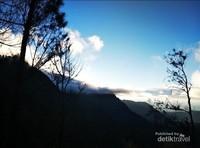 Sunrise biru dari penajankan 1