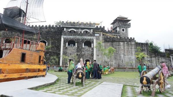 Salah satu sudut The Lost Word Castle tampak dari dalam