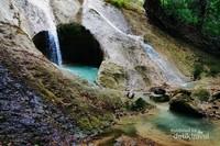 Air terjun berbentuk cinta. Air terjun ini biasa dikenal dengan sebutan air terjun love.