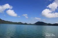 Danau Sano Nggoang yang tenang