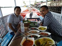 Nikmati sajian khas Kota Sampit dengan senyuman