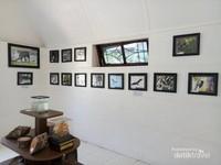 Piala Kalpataru milik dr H Jusuf Serang Kasim yang menjadi koleksi Rumah Bundar.