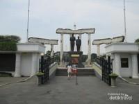 Patung Soekarno Hatta.