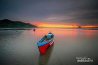 Sunrise di Pantai Ujong Pancu
