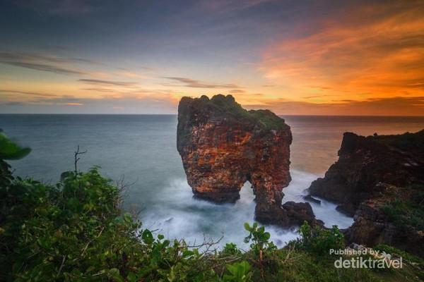 Sunset di Pantai Ngungap