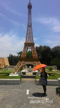Eiffel in Mini Siam Pattaya