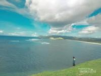 Dipayungi awan Samudera Hindia  (Yoga/dtravelers)
