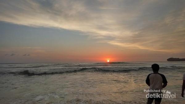 Senja yang indah dari pinggir pantai