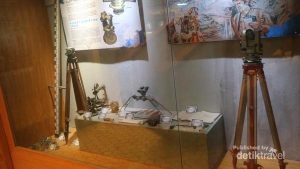 Alat-alat pemetaan yang dipergunakan pada jaman dulu