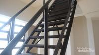 Menara bisa di akses dari pintu yang ada di lantai 2 museum