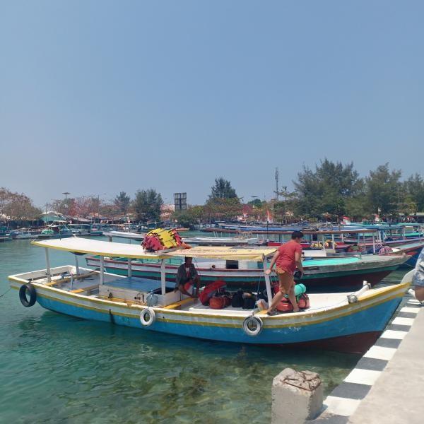 dermaga di Pulau Harapan