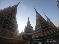 Total terdapat 4 pagoda berukuran besar di tempat ini
