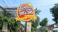 Lunpia Cik Meme berlokasi di Jl. Gajahmada, Semarang, tidak jauh dari lapangan SImpang Lima