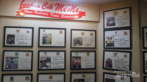 Deretan testimoni dari para artis dan pejabat negara yang pernah berkunjung ke Lunpia Cik Meme