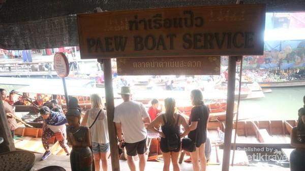 Tempat penyewaan perahu untuk wisatawan