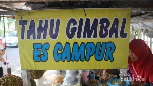 Tahu gimbal merupakan  makanan khas Semarang