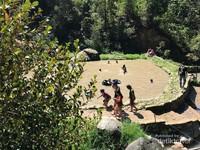 Kolam berendam air hangat di Kawah Rengganis Ciwidey