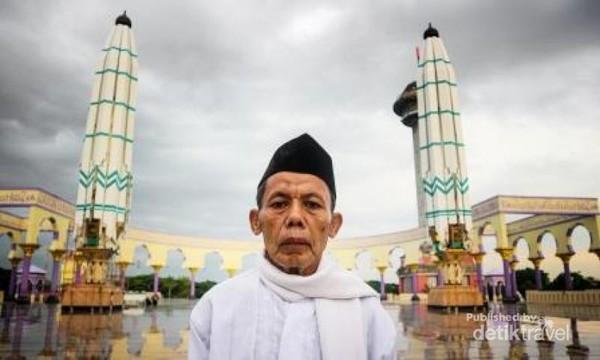 Mengunjungi masjid agung semarang di satu sore.
