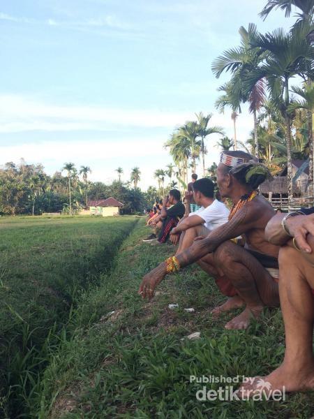 Sikerei Membaur dengan Warga Siberut