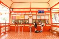 Meski tua, namun stasiun ini nampak bersih dan terawat