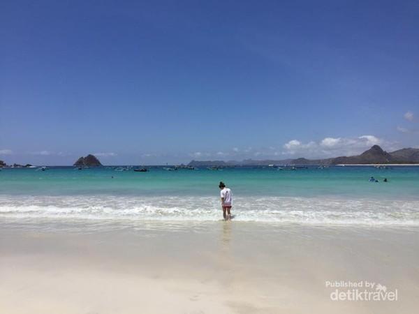 Pantai Selong Belanak.