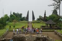 Pengunjung Candi Cetho tidak hanya dari domestik tetapi juga dari mancanegara