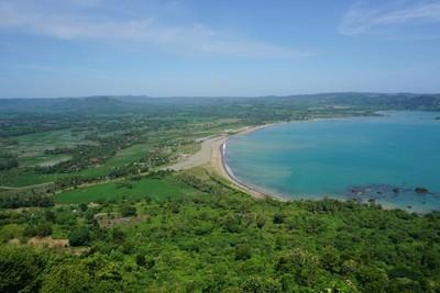 Dari Bukit Hingga Pantai, Ini Wisata Lengkap di Geopark Ciletuh