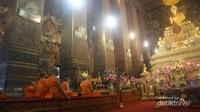 Phra Ubosot, tempat dilangsungkannya ibadah bersama para bhiksu