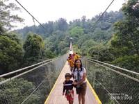 Ini Lho Jembatan Gantung yang Terkenal di Sukabumi