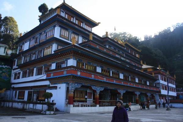 Dali Monastery, terletak tidak jauh dari pusat kota