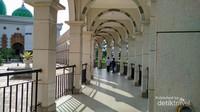 Bagian samping masjid